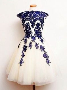 Charming Homecoming Dress,Appliques Homecoming Dress  O-Neck Short Prom Dress