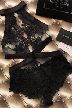 Victoria's secret intimate apparel, bodysuit, and lingerie outfit ideas. Seductive Lingerie, nightwear and wedding undergarments. Lingerie Xxl, Jolie Lingerie, Lingerie Outfits, Pretty Lingerie, Beautiful Lingerie, Lingerie Sleepwear, Nightwear, Black Lingerie, Seductive Lingerie