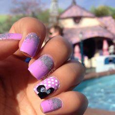 Disneyland nails #disneyland #minniemouse #glitter #nailart #polkadots #glittergradient