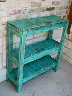 Pallet table. Tall & Narrow. Just perfect.