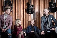 Haloo Helsinki yllätti faninsa lokakuussa 2015 perinpohjaisesti. Huippusuosittu, Suomen kovimmaksi ja suositummaksi kehuttu bändi päätti yhtäkkiä jäädä pitkälle tauolle.