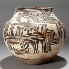 Native American Indian Pueblo pottery Old Zuni - Jun 2011 Native American Artwork, Native American Pottery, Native American Artifacts, American Indian Art, Native American Beading, Native American Indians, Native Americans, Southwest Pottery, Southwestern Art