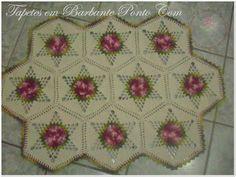 Tapetes em Barbante Ponto Com: Um tapetinho com Hexágono da colcha