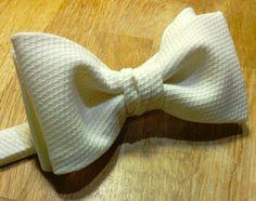 Handmade white bowtie for formal wear. Bowties, Formal Wear, Dapper, Menswear, How To Wear, Handmade, Fashion, Tie Bow, Moda