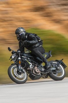 Triumph Cafe Racer, Cafe Racers, Motorcycle Photography, Supersport, Bobber, Hot Wheels, Wallpaper Backgrounds, Motorbikes, Touring