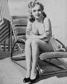 Afbeeldingsresultaat voor Marilyn Monroe photographed by Ed Cronenweth, 1947