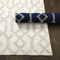 Saylor Indoor/Outdoor Rug-I got this for our foyer and it looks fantastic! enough texture yet neutral. Love it.