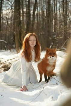Beautiful lady with fox best friends Fantasy Photography, Animal Photography, Beautiful Redhead, Beautiful Women, Gorgeous Girl, Redhead Pictures, Animals Beautiful, Cute Animals, Elven Princess