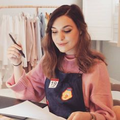 Marzia Bisognin | a clue for a new video | pink sweater | instagram | itsmarziapie