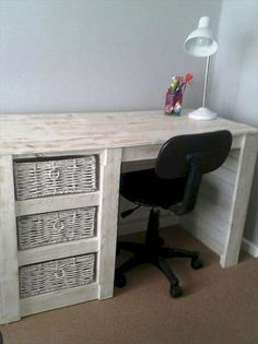 85 Easy Inexpensive DIY Pallet Furniture Ideas 2019 88 Simple Inexpensive DIY Pallet Furniture Ideas The post 85 Easy Inexpensive DIY Pallet Furniture Ideas 2019 appeared first on Pallet ideas. Diy Home Furniture, Pallet Patio Furniture, Reclaimed Wood Furniture, Furniture Projects, Furniture Makeover, Pallet Projects, Furniture Storage, Woodworking Projects, Palette Furniture
