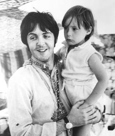 Google Image Result for http://beatlestrivia.com/wp-content/uploads/2009/03/paul-mccartney-julian-lennon072.jpg