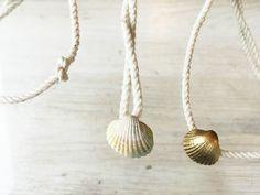 Które STRINGI.SYRENY dziś? Pearl Necklace, Pearls, Jewelry, String Of Pearls, Jewlery, Jewerly, Beads, Schmuck, Pearl Necklaces