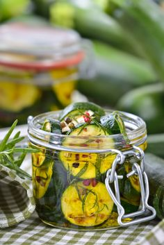 Eingelegte Zucchini - pickled zucchini