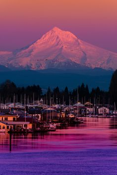 Photographer Matt Payne captured this breathtaking image of Mount Hood at Sunset over the Columbia River.