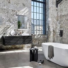 29 ideas bathroom luxury bathtubs for 2019 Industrial Bathroom Design, Industrial Interior Design, Vintage Industrial Decor, Industrial Interiors, Industrial House, Industrial Style, Home Interior Design, Design Bathroom, Bath Design