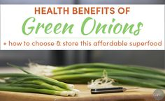 Health Benefits of Green Onions: Green onions are an affordable superfood that don't get the credit they deserve. Learn the health benefits of green onions, and get tips on how to choose and store them. Healthy Juices, Healthy Tips, Healthy Recipes, Healthy Food, Onion Benefits, Health Benefits, Herbal Remedies, Natural Remedies, Superfoods