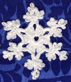 Tässä vielä muutama uusi lumihiutaleohje kirjasta 60 Crocheted Snowflakes (Barbara Christopher, Dover Publications Inc. 1987). Hiutaleet 1... Crochet Winter, Knit Crochet, Dover Publications, Crochet Snowflakes, Diy And Crafts, Upcycle, Kids Rugs, Christmas Ornaments, Knitting
