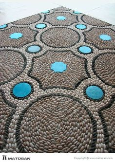Portfolio - Pebble Mosaic, like the blue, dont always see added color. Pebble Mosaic, Stone Mosaic, Pebble Art, Mosaic Art, Mosaic Glass, Mosaic Tiles, Pebble Floor, Mosaic Madness, Raku Pottery
