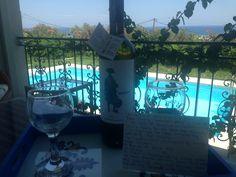 Drinking a nice Cretan wine..