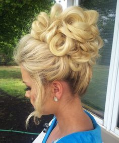 Beautiful blonde, Brigitte Bardotinspired updo by Brandi Smith. HOT Beauty Magazine #hotonbeauty fb.com/hotbeautymagazine #UpdosProm