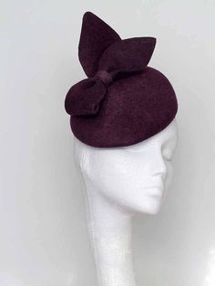 Beautiful burgundy hand blocked wool felt beret. A perfect finishing touch to outfits. Great for winter weddings and the spring racing season.