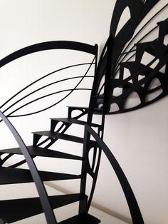Escalier design contemporain double quart tournant de style Art Nouveau dessiné par Jean Luc Chevallier pour La Stylique.