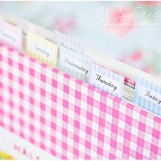 Cookbook Markers {free printable} Make dinner planning a snap with these free cookbook markers. These free customized cookbook bookmarks have the days of the… Printable Recipe Cards, Printable Labels, Free Printables, Recipe Printables, Diy And Crafts, Paper Crafts, Home Management Binder, Book Markers, Idee Diy