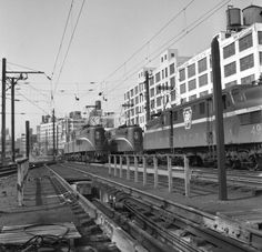 Pennsylvania Railroad GG1s at Sunnyside Yard (~1958).