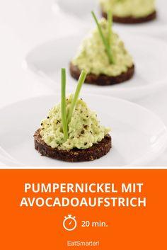 Pumpernickel mit Avocadoaufstrich - smarter - Zeit: 20 Min. | eatsmarter.de