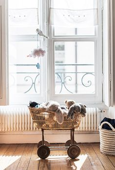 Discover the Nettement Chic selection of the best online fashion, beauty and interior design shops. The online shopping guide. Baby Bedroom, Nursery Room, Kids Bedroom, Nursery Decor, Nursery Inspiration, Interior Inspiration, Newborn Nursery, Shop Interior Design, Nursery Neutral