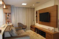 Risultati immagini per sala de tv e estar Home Theater Decor, Home Theater Rooms, Home Decor, Best Home Automation, Workout Room Home, Living Area, Living Room, Tv Wall Design, Trendy Home