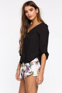 Блуза Размеры: S, M, L Цвет: кремовый, черный, винный/бордо Цена: 1285 руб.     #одежда #женщинам #блузы #коопт