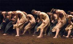 """Tanztheater Wuppertal Pina Bausch: """"The Rite of Spring"""" ballet, choreography by Pina Bausch (Classical Ballet) Pina Bausch, Modern Dance, Contemporary Dance, Alvin Ailey, The Rite Of Spring, Martha Graham, Dance Project, Dance Movement, Human Body"""