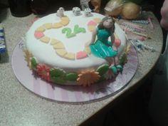 Tort na 24 urodziny miłośniczki gier planszowych. W lepieniu figurek pomagał M. :)