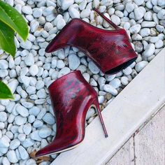 Hot Shoes, Crazy Shoes, Shoes Heels, Heeled Boots, Bootie Boots, Shoe Boots, Pretty Shoes, Beautiful Shoes, Shoe Palace