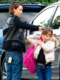Star Tracks: Wednesday, January 8, 2014 | SUPER STYLING | Jessica Alba gives a quick fix to her 5½-year-old daughter Honor's adorable pigtails while out in Los Angeles on Tuesday.