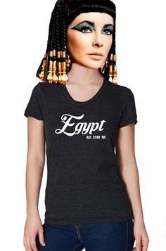 Liz Taylor as Cleopatra in an Egypt Tee  Egypt Est 3100BC