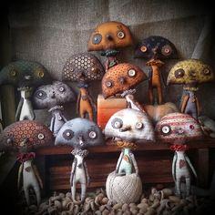 238 отметок «Нравится», 46 комментариев — Inna  Romanchenko (@mandragora_root) в Instagram: «Смешно было фоткать эту компанию-все так и зырят на тебя,пока ты на них резкость наводишь:)))#грибы» Ugly Dolls, Monster Dolls, Textiles, Softies, Puppets, Fiber Art, Art Dolls, Stuffed Mushrooms, Making Dolls