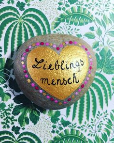 Stein Lieblingsmensch - - Stein Lieblingsmensch DIY idea for cute presents You can find this and many other lovingly hand-painted gift ideas in my EtsyShop 💚 person Empire Ottoman, Painted Rocks, Hand Painted, Yellow Roses, Favorite Person, Love Flowers, Oeuvre D'art, Etsy Shop, Lettering