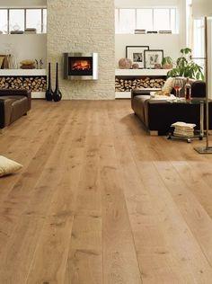 Sala rustica y minimalista muy elegante decorada con #suelo de #parquet   #designehome #decoración #hogar #diseño