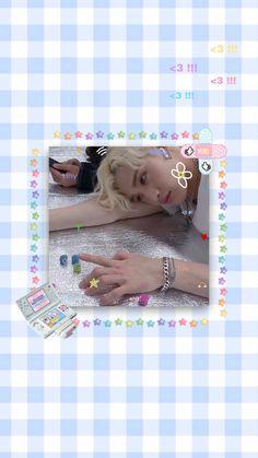 Descubre (¡y guarda!) tus propias imágenes y videos en We Heart It Kids Wallpaper, Pastel Wallpaper, Pretty Boys, Cute Boys, Stray Kids Chan, Ahegao, Kids Icon, Kid Memes, Kpop Aesthetic