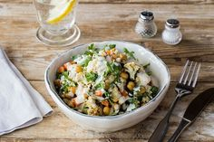 Crispy Chickpea and Roasted Cauliflower Salad with Quinoa and Roasted Garlic Vinaigrette | Recipe from HelloFresh #100DaysofFreshFood