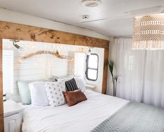 See how a couple transformed their outdated RV into a boho surf shack! Sehen Sie, wie e Surf Shack, Tiny House Living, Rv Living, Architecture Renovation, Trailer Decor, Camper Makeover, Camper Renovation, Remodeled Campers, Decoration