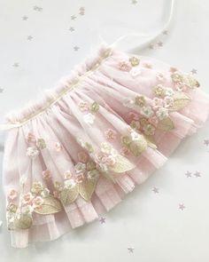 This skirt is everything 😍 #wip 😊✨ . . . . #amadadolls #newprototype #shophandmade #babyroom #ilovehandmade #handmade #clothdoll…