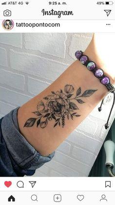 Caring For A New Tattoo - Hot Tattoo Designs Pretty Tattoos, Cute Tattoos, Beautiful Tattoos, Leg Tattoos, Body Art Tattoos, Tatoos, Girl Wrist Tattoos, Inner Wrist Tattoos, Small Forearm Tattoos