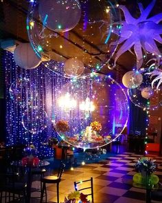 Birthday Party: Amazing Ideas For You Decorating Your Party Check out amazing decoration tips for your birthday party . Girls Party, Birthday Party For Teens, 17th Birthday, Birthday Party Decorations, Party Themes, Wedding Decorations, Glow Party, Disco Party, Dance Themes