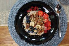 healthy vegan breakfast ideas - porridge
