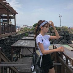 Pretty Korean Girls, Cute Korean Girl, Asian Girl, Korean Aesthetic, Aesthetic Girl, Ulzzang Fashion, Korean Fashion, Cute Fashion, Girl Fashion