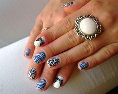 Konad Addict: White and blue manicure