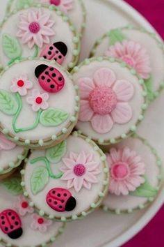 Ladybug Cookies food cookies pretty desert delicious food art colorful cookies